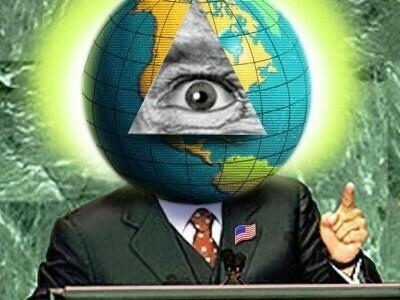 Disefno di uomo in giacca e cravatta con un mappamondo al posto della testa e, sovrimpresso, un occhio in un triangolo